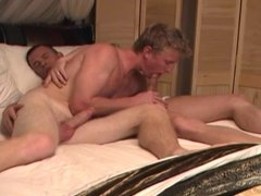 Spunk eating bareback lovers nasty anal stretching session