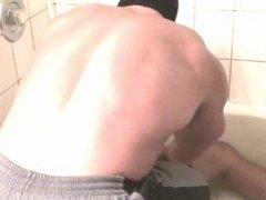 Muscle Gods bounds in shower