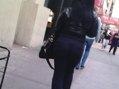 SPANISH WOMAN IS SO DAM THICK