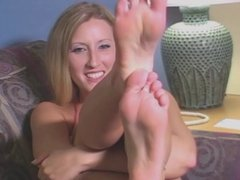 JOI - Suck On My Toes While You Jerk Off