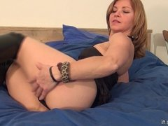 Amateur MILF loves to jerk off on her bed