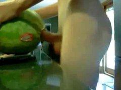 Mein Ex fickt eine Melone