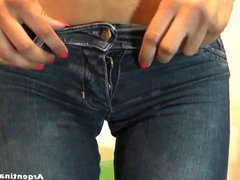Extremely Hot Teen with a ultra Round and Tight Ass in Jeans