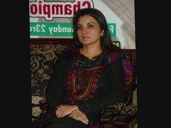 Pakistani Kashmala Tariq love chat on phone scandal
