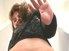 Undress me now !