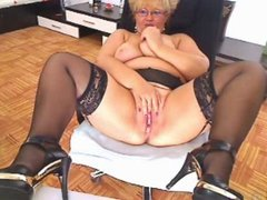 Lady whit glass 2