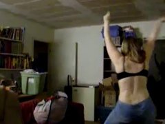 Thick White Jilliciouz Girl Dancing In A Black Bra And Jeans