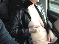 curvy mature blonde wanks in the car