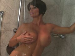 Shay Fox Bathes In the Shower