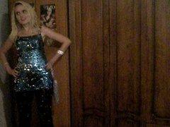 31.08.2012 - Blonde girl in shiny dress