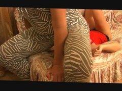 Amazon facesitting, bodysitting and trampling tiny girl