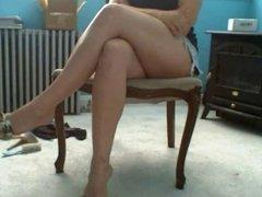 Miniskirt,crossed legs,very horny. Part 1