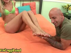 Hot Blonde Show Hot Good Is Her Foot