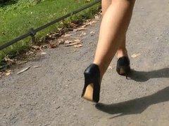 highheels walk in the park