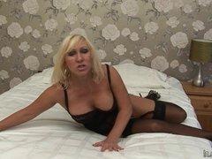 Hot natural MILF masturbating on her bed