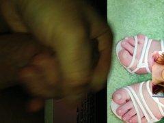 Masturbating to Anna Kendrick's Feet