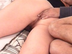 Homemade anal : Buttocks Massage makes Booty Milf very horny