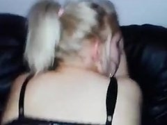 A nice girl give blowjob and ge 1fuckdatecom