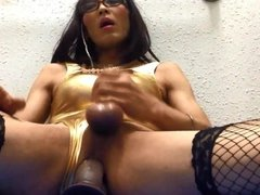 Mature whore crossdresser loves dildo fuck.