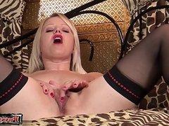 Young amateur cum inside pussy