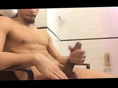 Muscular Guy Jacking Again
