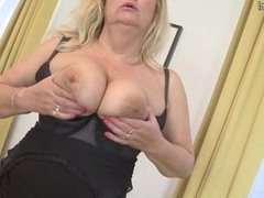 1fuckdatecom Mature mother with big tits and