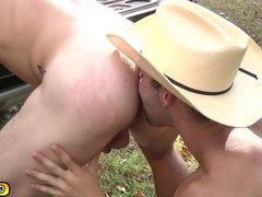 Outdoor blowjob and anal fucking twinks