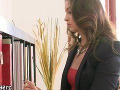 Angelina Brill fucks for her green card