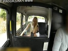 fake taxi driver shooting cum on blonde girl