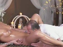 Masseur gets deep throat and fuck