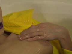 Celeste Star bathtub climax