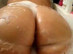 dates25com Bbw pawg bubble bath teaser