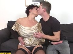 Sexy pussy jizz in mouth