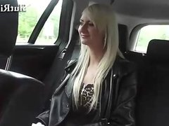 18yo does handjob and gets fingering in taxi