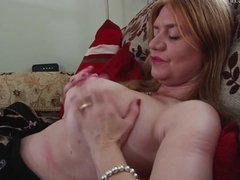 Amateur mother with big tits ass  dates25com