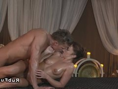 Strong handed masseur relaxing babe