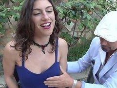 Julia Roca practica el frances