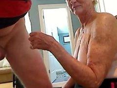 Grandma 70 y dates25com