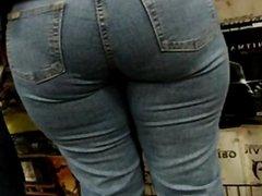 Big butt bbw milf at mall 6 dates25com