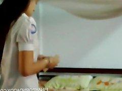 UST student binosohan nagbibihis sa dorm - Pi