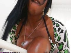 Black fat tranny fucked in her ass