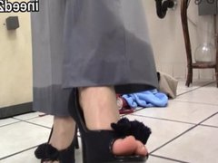 Behind the scenes panty wetting ineed2pee 32