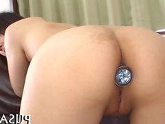 Seducive Asian gets pussy stretched
