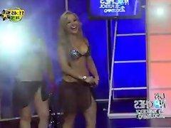 Sandra Padilla bikini en las noches de futbol
