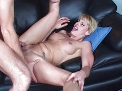Sporty blonde MILF works dick
