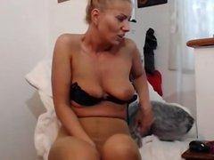 XCAMGIRLS69(.)COM BLONDE GIRL ON CAM