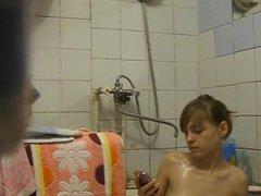 Chica en la ducha 8