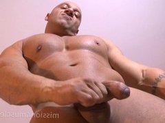 Big Nude Bodybuilder Muscle