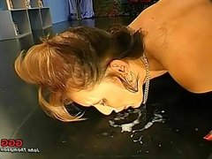 Linda takes big facial and licks floor clean