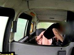 British amateur in taxi sucking cabbie dick